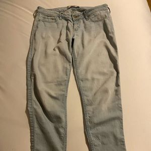 light wash low rise skinny hollister jeans